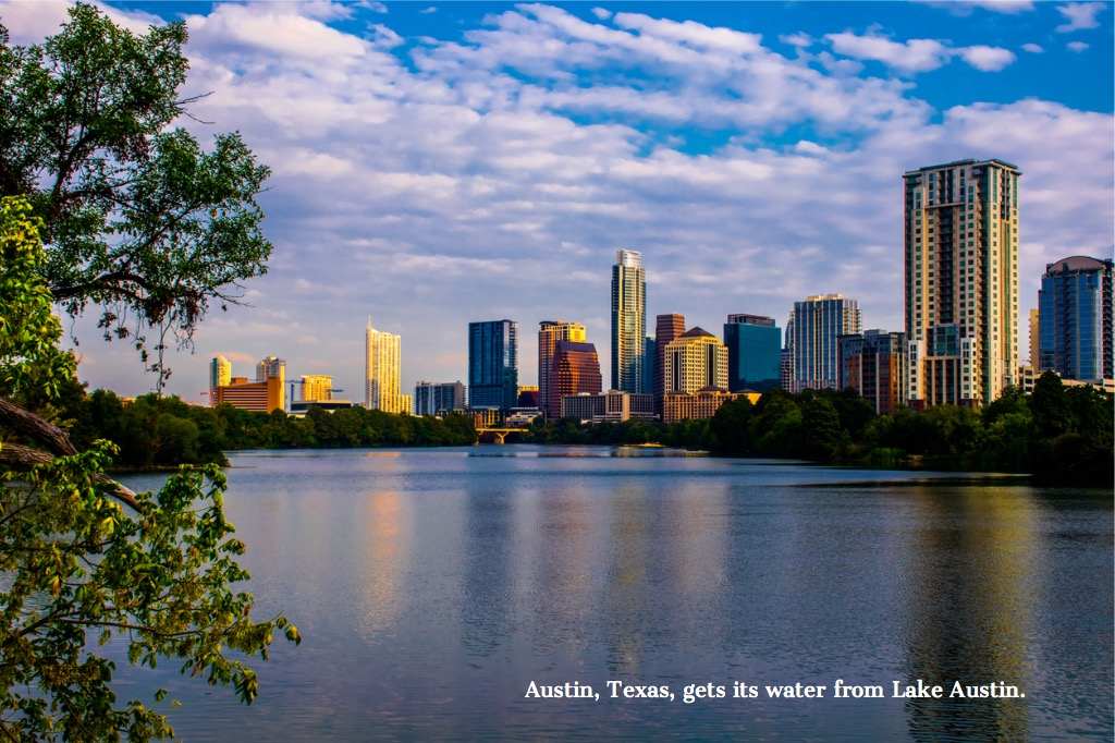 austin-cityscape-texas-skyline-lake-austin-reflections-picture-id531275541